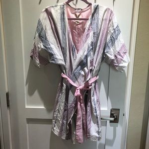 Lucky Brand Pink Wrap Cover Up / Robe